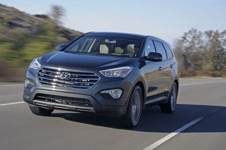 Hyundai Prices Three-Row Santa Fe Crossover From $29,195