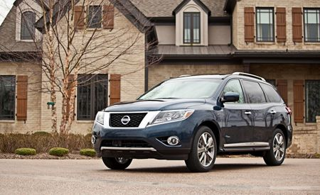 Hybrid Nissan Pathfinder Vanishes from the Lineup