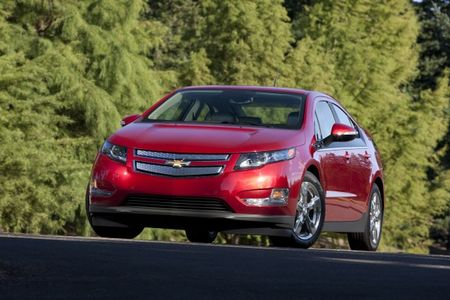 Akerson Wants Next-Gen Chevy Volt Sticker Price to Come Down $10,000