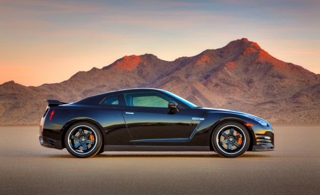 Superior 2014 Nissan GT R Track Edition