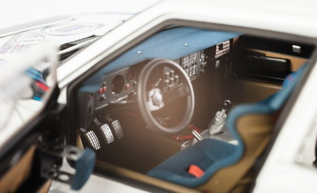 https://hips.hearstapps.com/amv-prod-cad-assets.s3.amazonaws.com/wp-content/uploads/2013/05/AUTOart-1985-Lancia-Delta-S4-rally-car-model-122-626x382.jpg