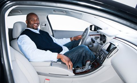 Shaq Ed Up Can Shaquille O Neal Even Fit In A Buick Lacrosse