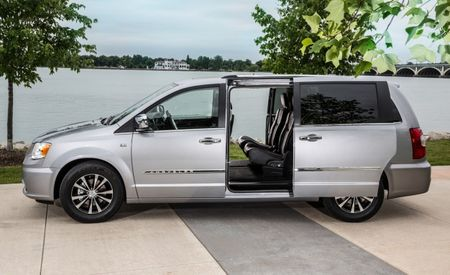 Chrysler Group Celebrates 30 Years of Minivans with 30th Anniversary Edition Grand Caravan and Town & Country