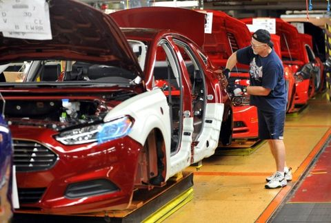 Long Government Shutdown Could Devastate Auto Industry, Too
