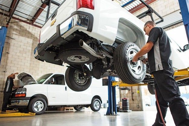 """Automakers Agree to Fix Your Car Anywhere in """"Right to Repair"""" Pledge"""