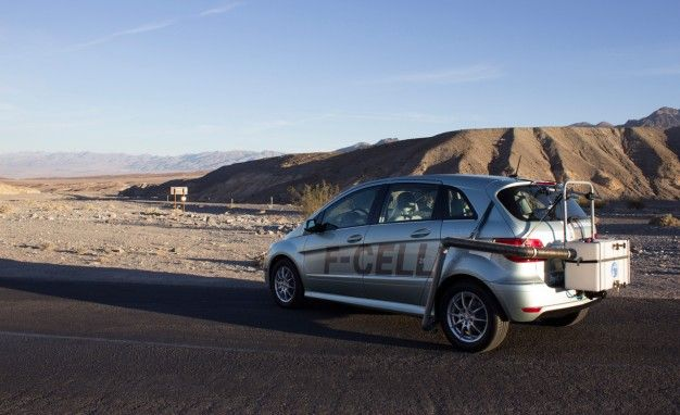 Mercedes-Benz Tries to Kill Diane Kruger, Joshua Jackson Using Death Valley and an F-Cell Hydrogen Car (Not Really)