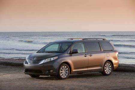 Japanese Dealers Want Toyota to Build a Lexus-Badged Minivan