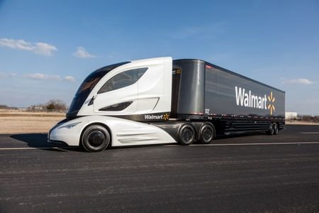Walmart and Peterbilt Have Created the Wild-Looking Turbine-Hybrid Big Rig of the Future [w/ Photo Gallery + Video]