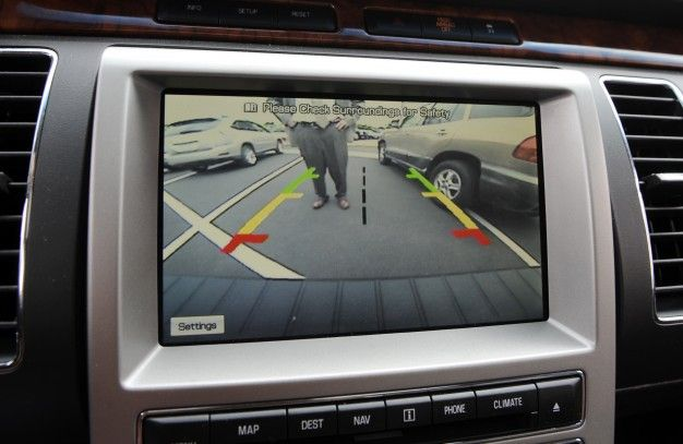 Car Backup Camera >> Backup Cameras Coming To All New Cars In 2018 News Car And Driver