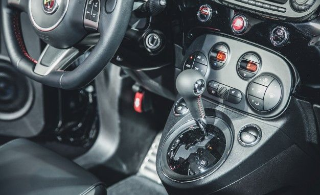 Fiat to Offer 500 Abarth with Automatic Transmission – News – Car ...