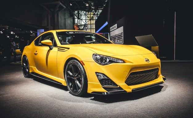 Scion FR S Reviews | Scion FR S Price, Photos, And Specs | Car And Driver