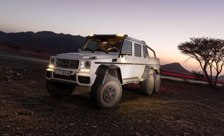 "Dino Juice Aplenty: Mercedes' Awesome G63 AMG 6×6 to Appear in ""Jurassic World"""
