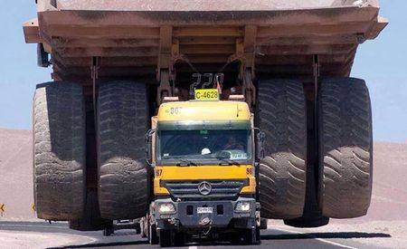 Photo: Mercedes Semi Hauls 200+Ton Mining Dump Truck Like a Boss