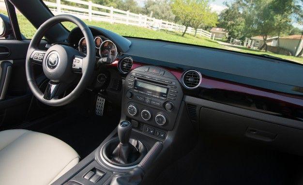 View 43 Photos 2015 Mazda MX 5 Miata 25th Anniversary Edition Interior