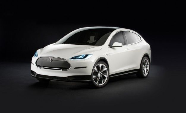 Tesla X-pansion: Model X Deliveries to Start in Early 2015, More Details Emerge
