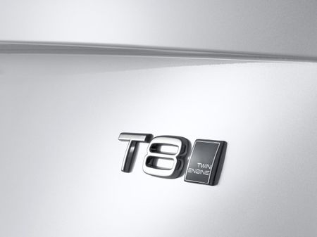 """Volvo """"Twin Engine"""" XC90 is the 400-hp Plug-In Hybrid to Watch"""