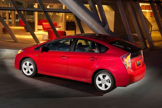 2016 Toyota Prius to Offer Lithium-Ion and Nickel Batteries; All-Wheel Drive Possible