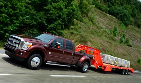 Ford Decides to Play Fair, Follow Industry Practice for Super Duty Payload Ratings