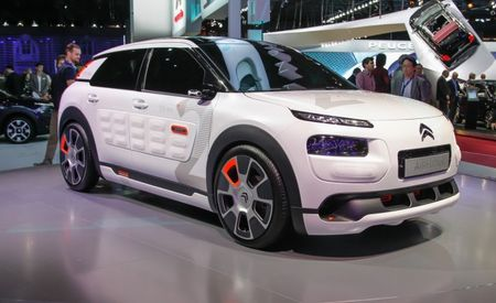 So Funky, So French: Wild Citroën C4 Cactus Airflow 2L Uses Compressed-Air (!) Hybrid Powertrain to Achieve 118 mpg