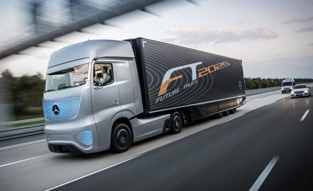 Hells Yes, Mothertruckers: Mercedes-Benz Future Truck Is the World's Coolest Self-Drivin', Light-Show-Havin' Big Rig