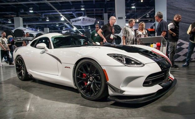 Dodge Viper Reviews | Dodge Viper Price, Photos, and Specs | Car and ...