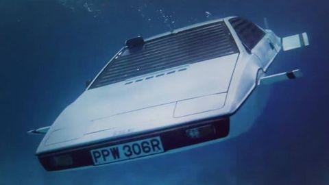 ONE MEEEELLION DOLLARS: James Bond Lotus Esprit Submarine Up for Auction