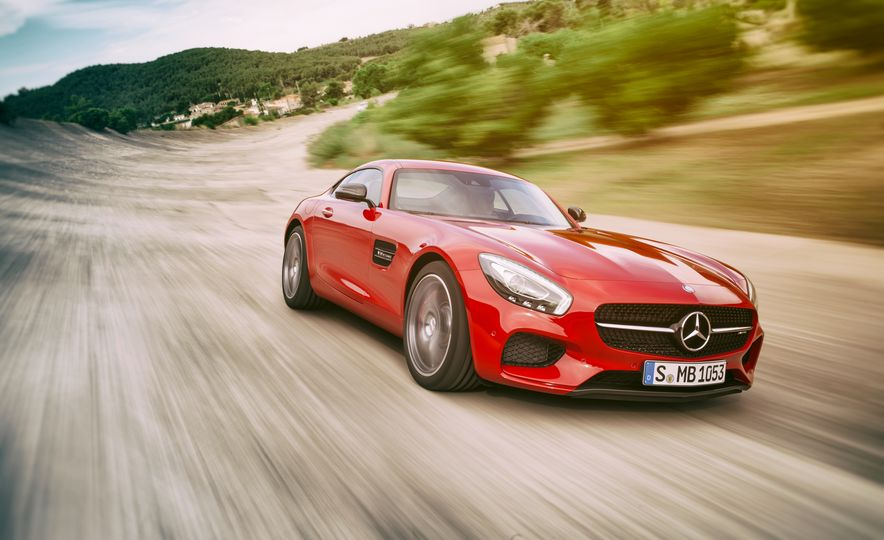 15 Rad Things You Need to Know About the Mercedes-AMG GT S - Slide 3