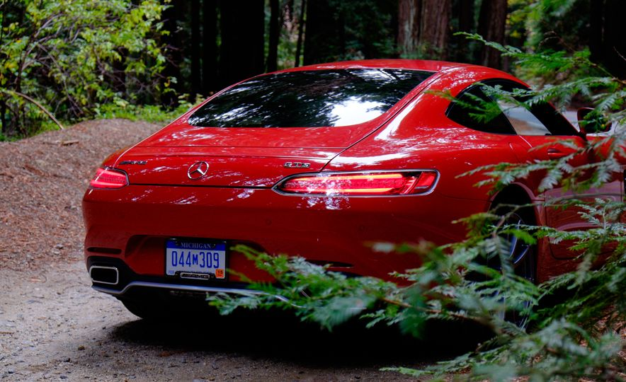 15 Rad Things You Need to Know About the Mercedes-AMG GT S - Slide 6
