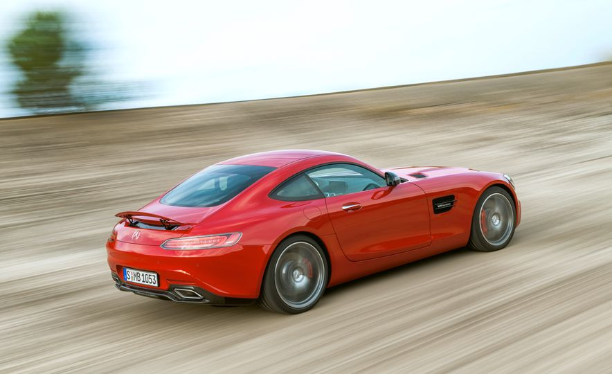 15 Rad Things You Need to Know About the Mercedes-AMG GT S - Slide 15