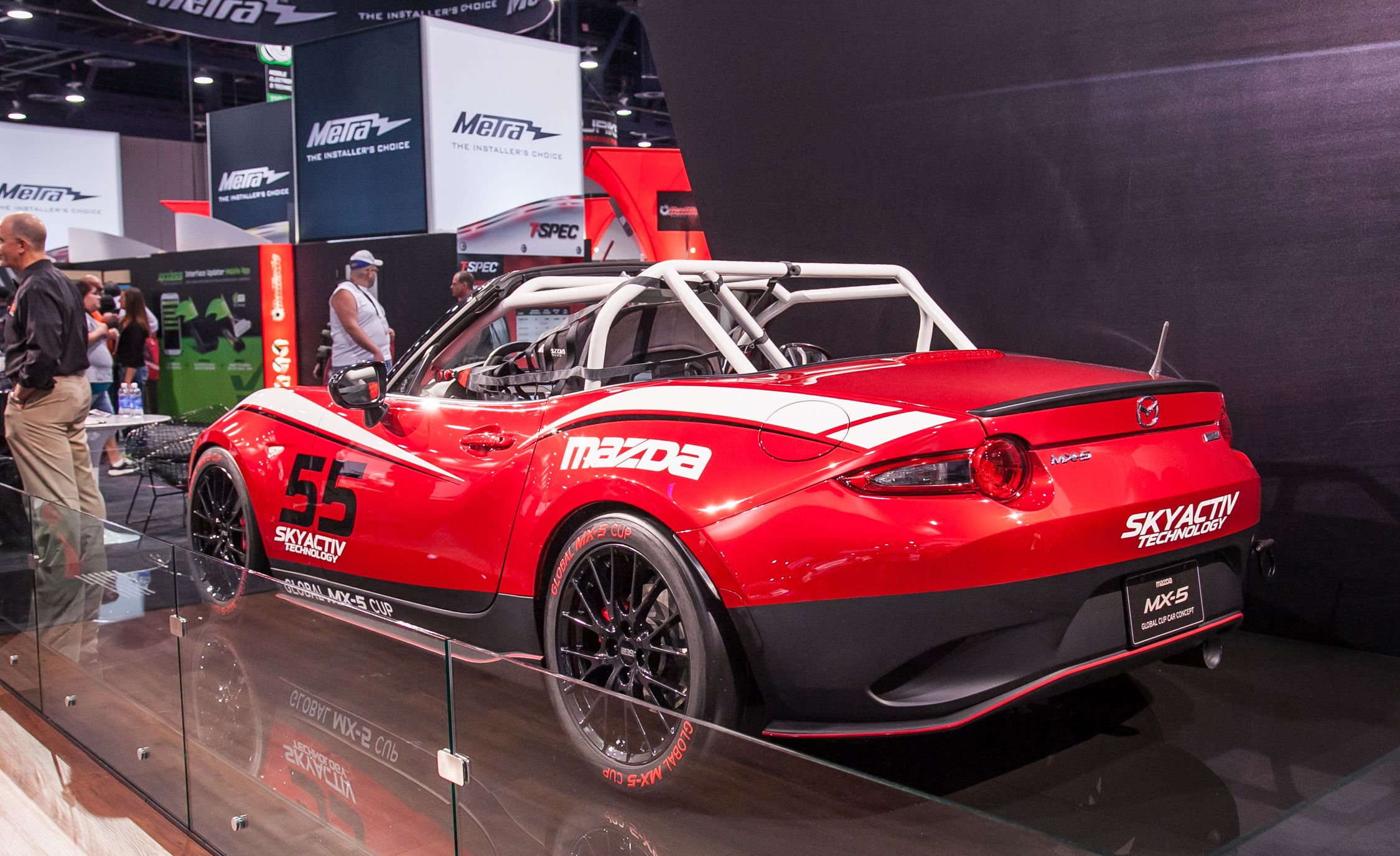 9 Things You Need to Know About the 2016 Mazda MX-5 Miata Cup Race ...