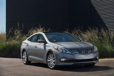 Hyundai Shows Spiffed-Up 2015 Azera at—Where Else?—Miami Auto Show