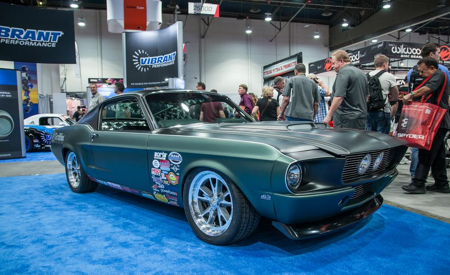 15 of the Hottest Classics at SEMA: Porsches, Mustangs, Off-Roaders, and More - Slide 12