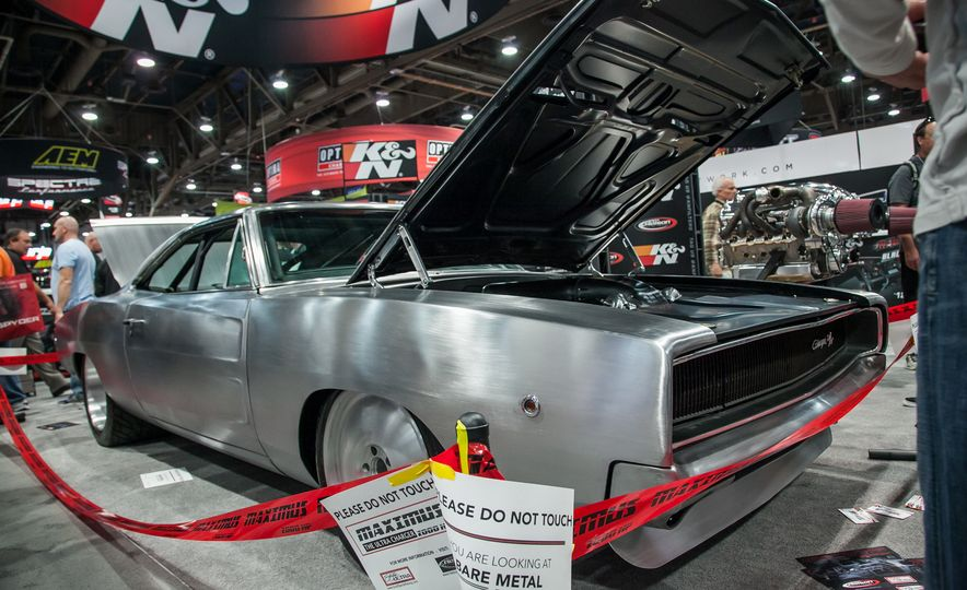 15 of the Hottest Classics at SEMA: Porsches, Mustangs, Off-Roaders, and More - Slide 14