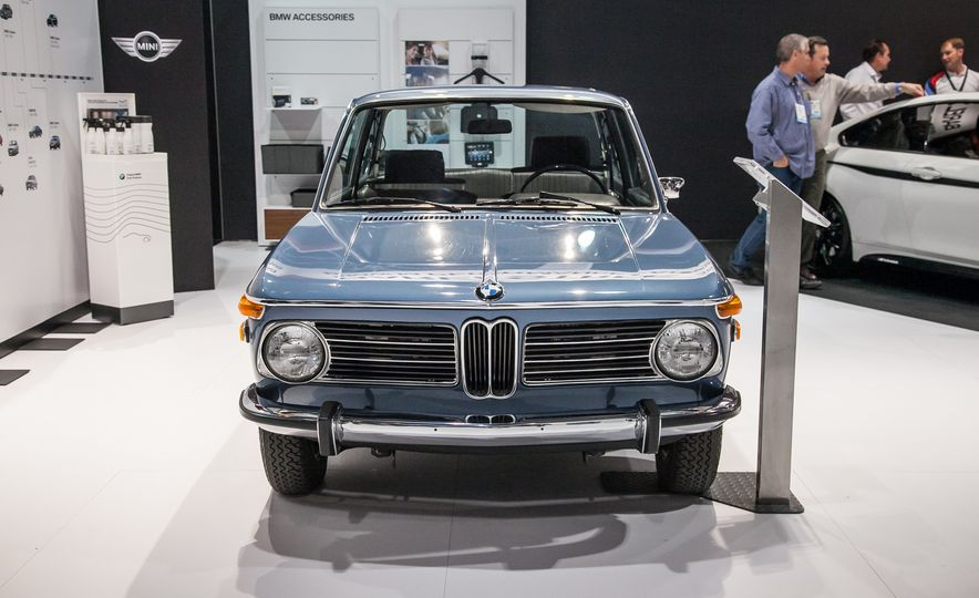 15 of the Hottest Classics at SEMA: Porsches, Mustangs, Off-Roaders, and More - Slide 17