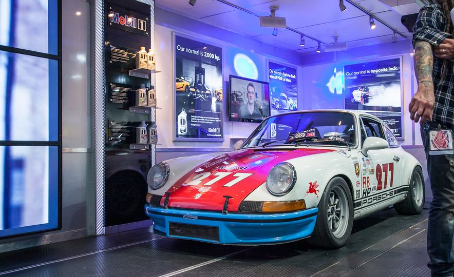 15 of the Hottest Classics at SEMA: Porsches, Mustangs, Off-Roaders, and More - Slide 2
