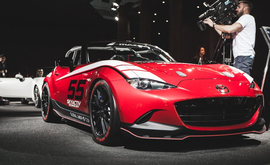 2016 Mazda MX-5 Miata Cup Race Car - Slide 2