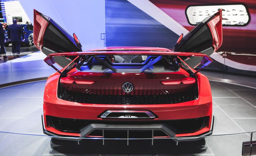 All Radness, No Badness: 7 Hot Race and Performance Cars from the L.A. Auto Show - Slide 16