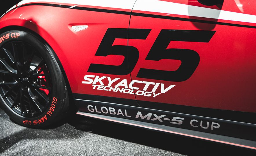 2016 Mazda MX-5 Miata Cup Race Car - Slide 7