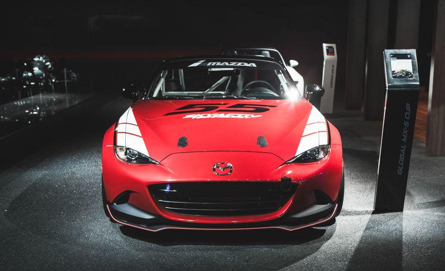 2016 Mazda MX-5 Cup Car - Slide 4