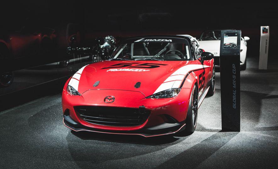 2016 Mazda MX-5 Cup Car - Slide 5