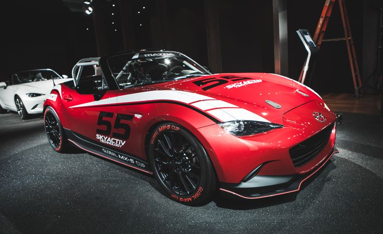 The Full 360: View Mazda's Hot 2016 MX-5 Miata Cup Race Car In the Round