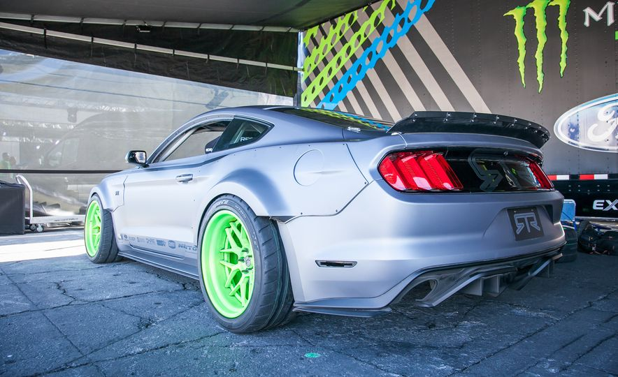 The Great and the Gawdawful: The 45 Cars You Must See from SEMA 2014 - Slide 33