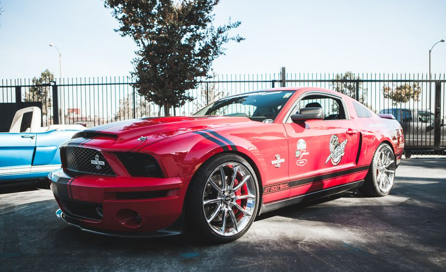 Ford Mustang Shelby GT350s and GT500s Gather to Welcome the New GT350 - Slide 15