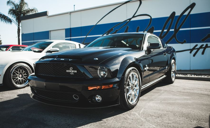 Ford Mustang Shelby GT350s and GT500s Gather to Welcome the New GT350 - Slide 14