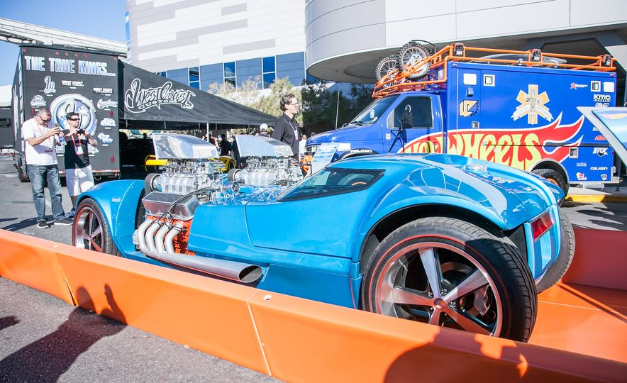 What It's Like to Attend the Insane, Awesome, and Closed-to-the-Public SEMA Show in 35 Photos - Slide 22
