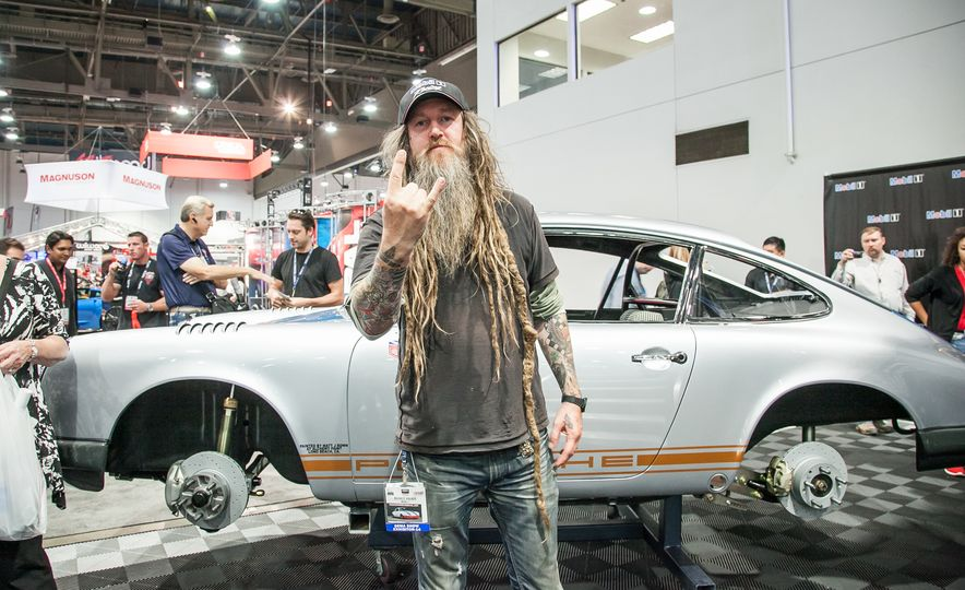 What It's Like to Attend the Insane, Awesome, and Closed-to-the-Public SEMA Show in 35 Photos - Slide 4