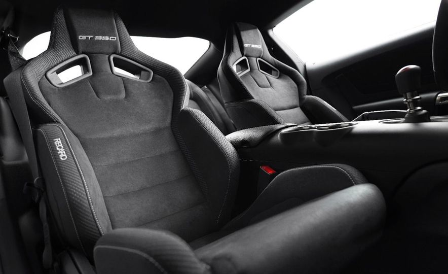 2016 Ford Mustang GT350 - Slide 18