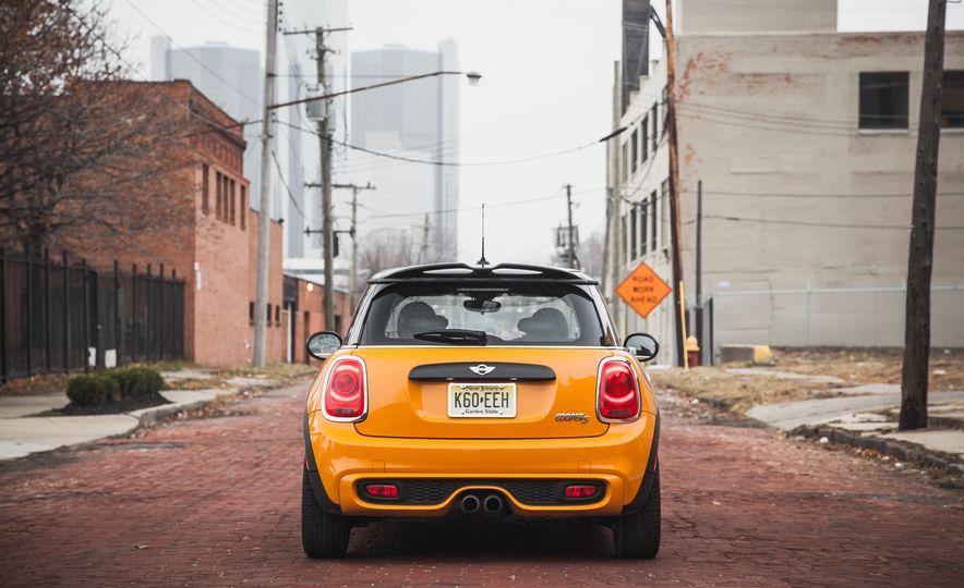 2014 Mini Cooper S Hardtop - Slide 18