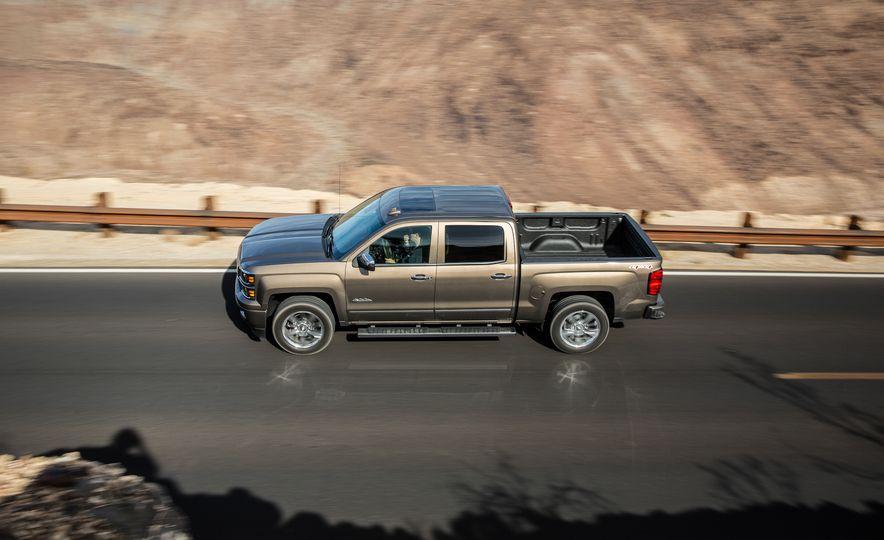 2015 Chevrolet Silverado 1500 High Country Crew Cab 4x4 - Slide 1