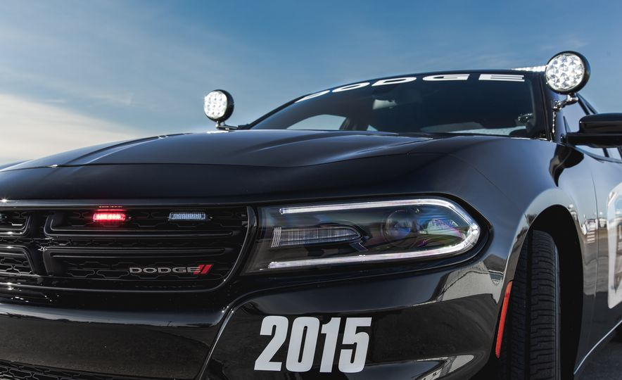 2015 Dodge Charger Pursuit AWD - Slide 10
